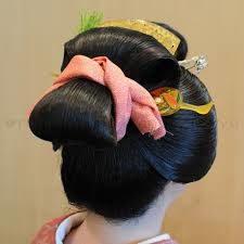 舞妓のメイク 衣装 髪型